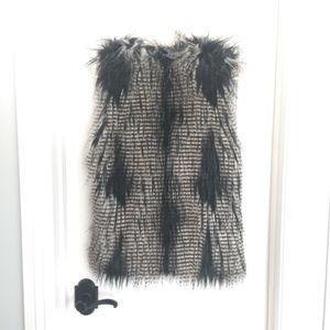 H&M Fox Faux Fur vest Jacket